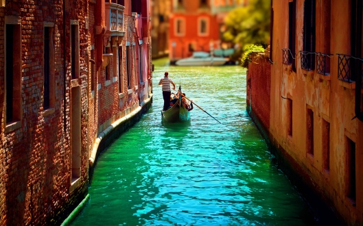 venice-canal-wide1